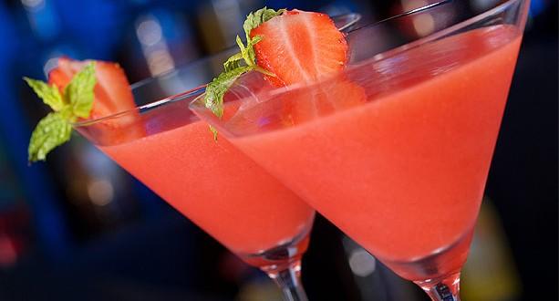 Receta de coctel champan y fresa