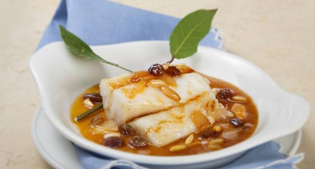 Receta De Bacalao Con Pasas Y Piñones Recetas De Cocina